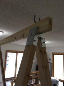 warping trapeze - top board attached to the saw horse hardware
